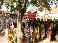 India: Gharelu Kamgar Union - IWD rally in Kanpur