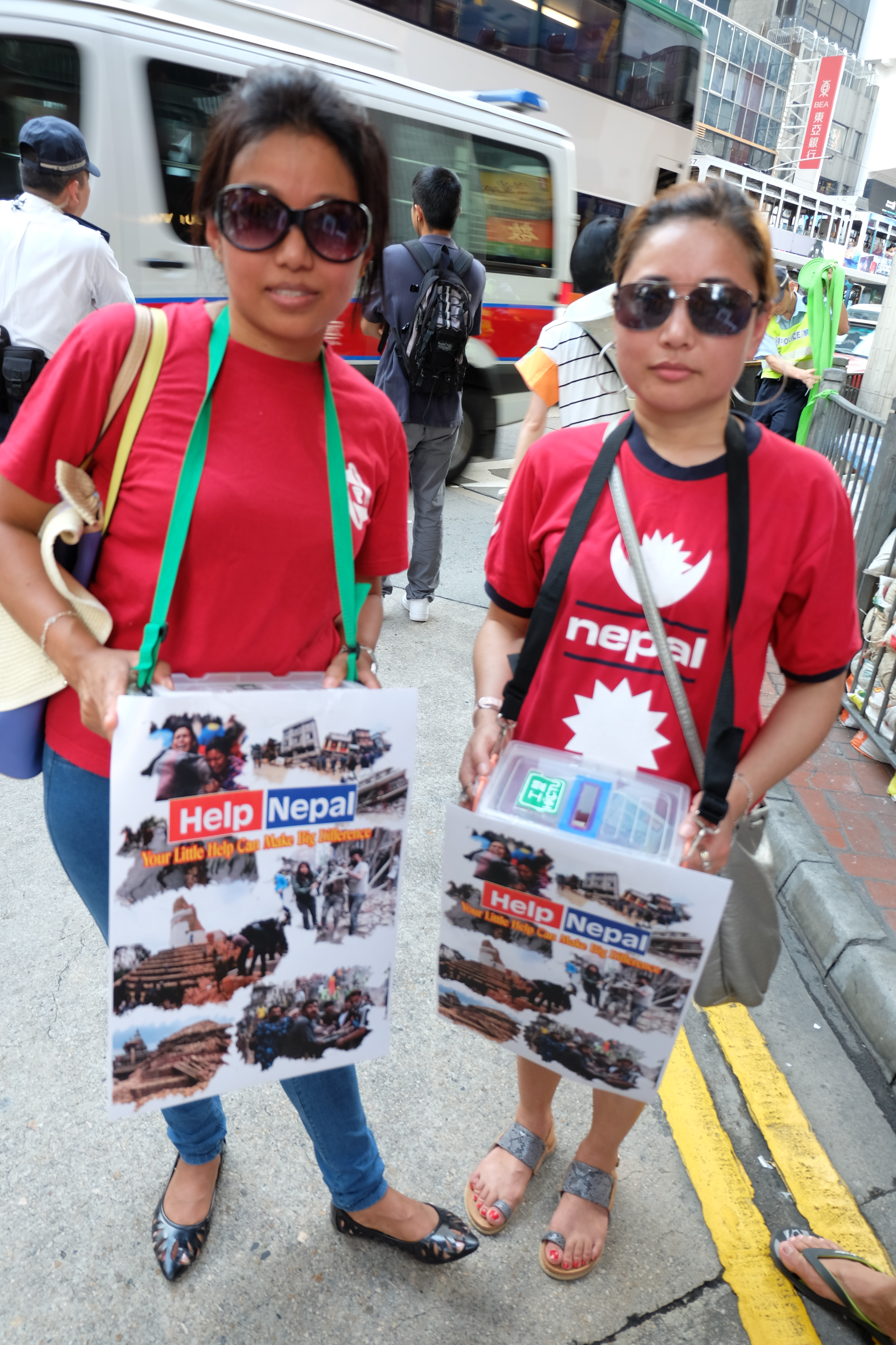 UNDW were fundraising during May Day Rally in Hong Kong. They collected HKD16,0763.3 (~USD2,074)Photo: Fish IP/IDWF
