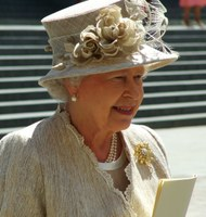 UK: The Queen of England is hiring! You won't believe what the job will pay