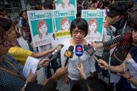 Hong Kong: Worldwide petition collects 103,000 signatures to end HK domestic worker abuse