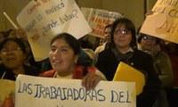 Perú: Trabajadoras del hogar se enfrentan con policías en Plaza de Armas