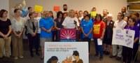 Trabajadoras domésticas celebran en Chicago histórica ley que protege sus derechos.